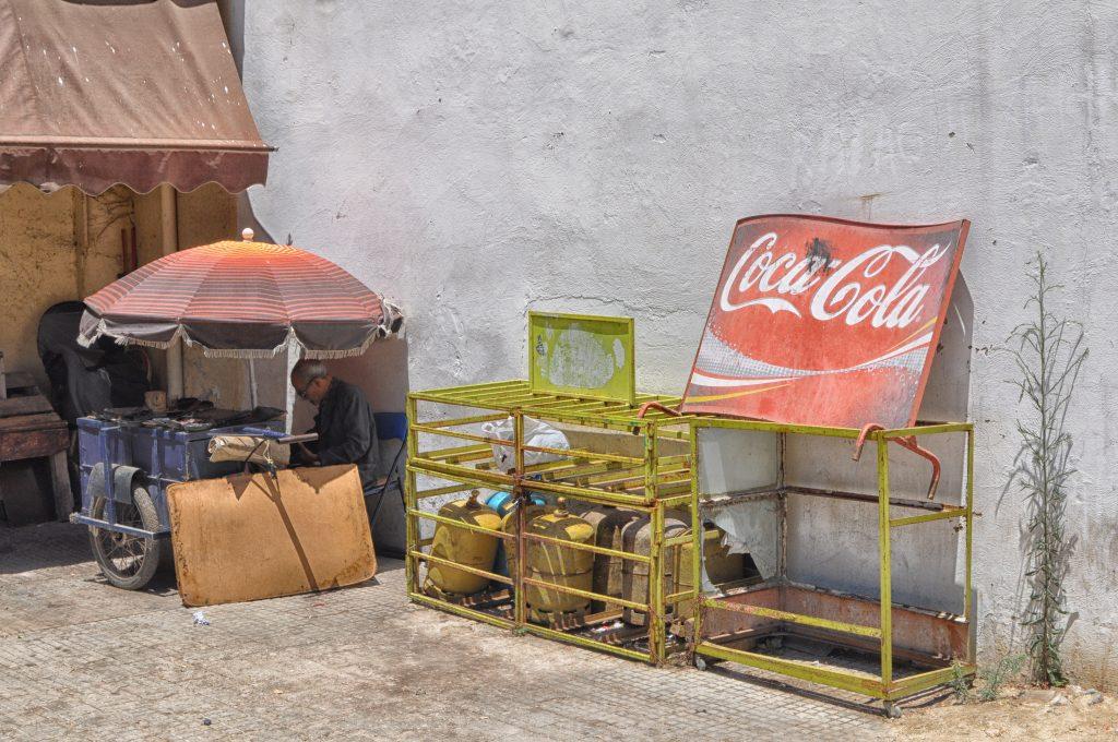 zdjęcie-photo-turystyka-podróżnicze-travel-photography-fotografia-street-morocco-maroko-coca cola