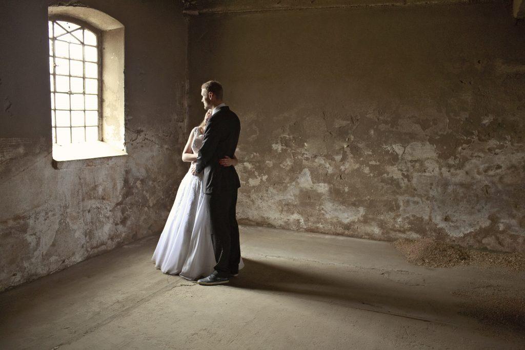ślubne-ślub-plener-sesja-photo-zdjęcie-couple-para-wedding-photography-fotografia-love-miłość-światło-światła-light