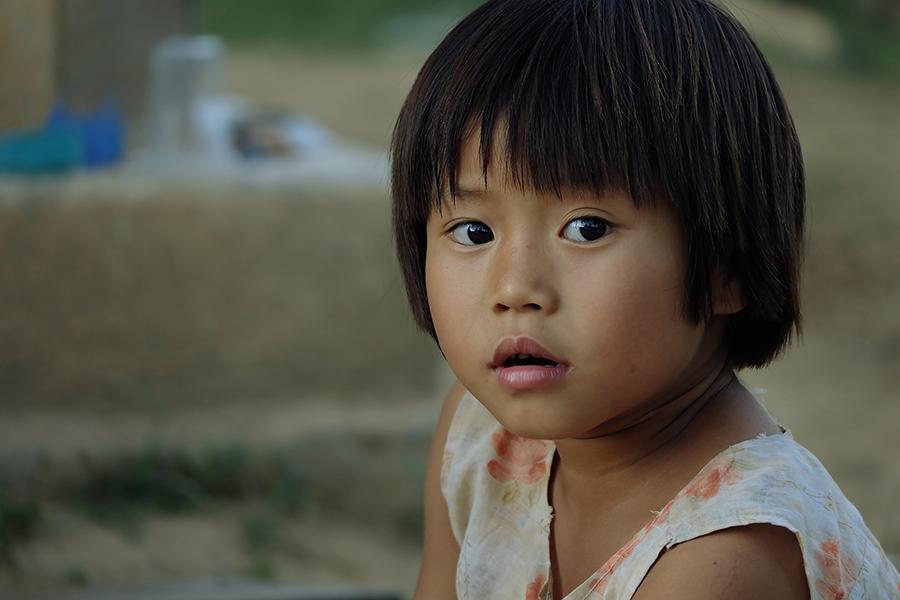 myanmar-birma-fotografia-zdjęcie-photo-photography-girl-dziewczynka-oczy-eyes-travel-podróże